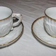 Meißener Schwanenservice, 2 Mokkatassen, Goldkanten, Untertasse Durchmesser 11 cm - 180,- €