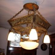 Jugendstil Deckenlampe um 1910, fünfflammig, geprägtes Messingblech, Verkabelung erneuert, 58x58, H: 80cm - Preis: 650 €