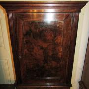 Wandschrank Nussbaum um 1900,Türfüllungen mit Nussbaumwurzelholz,guter gebrauchter Zustand.42 cm breit 23 cm tief 57 cm hoch 180 €