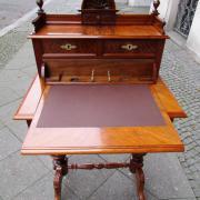 Detail Näh-Schreibtisch