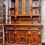 Buffet Eiche um 1880 Bleiglas Löwenkopf 173 b 74 t 240 h restauriert 3200 €