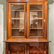 Glasaufsatzschrank Nussbaum um 1900 restauriert 147 b 64 t 220 h 2600 €